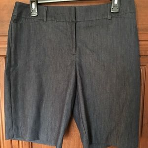 NWT dress chambray Bermuda shorts.